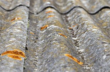 Asbestsanierung gemäß TRGS 519 für Dach und Fassade